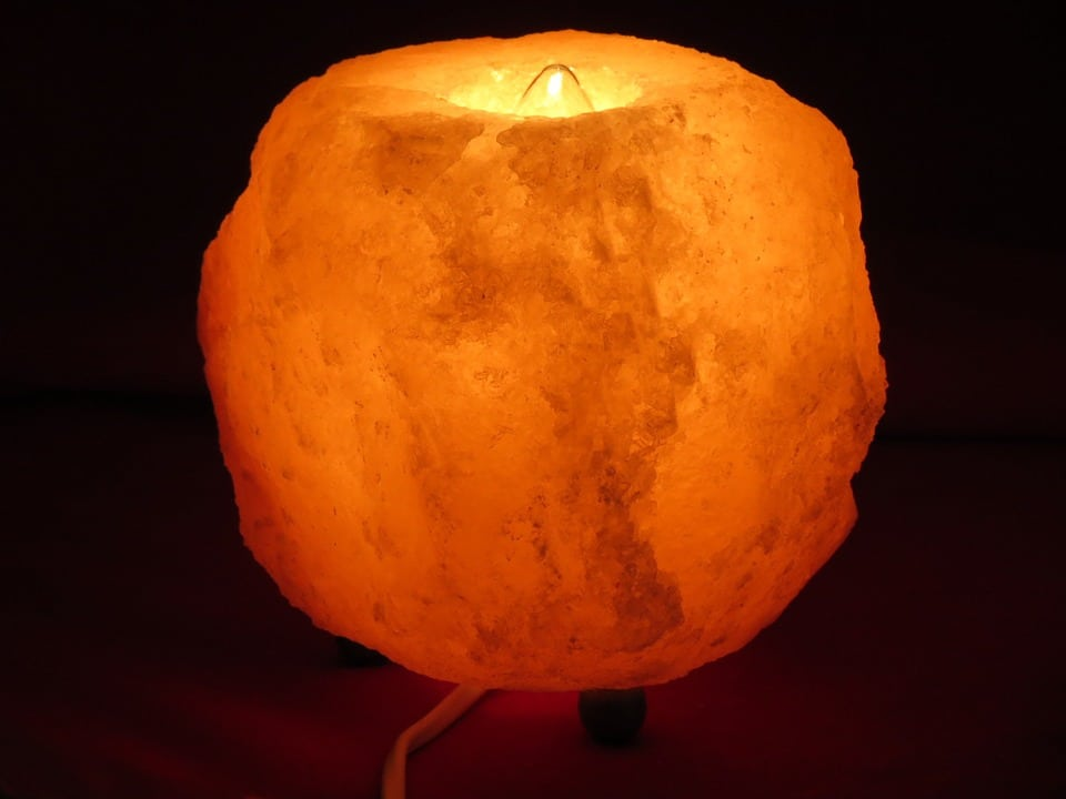 Images Of Salt Lamps : 7 Amazing Reasons Every House Should Have A Salt Lamp